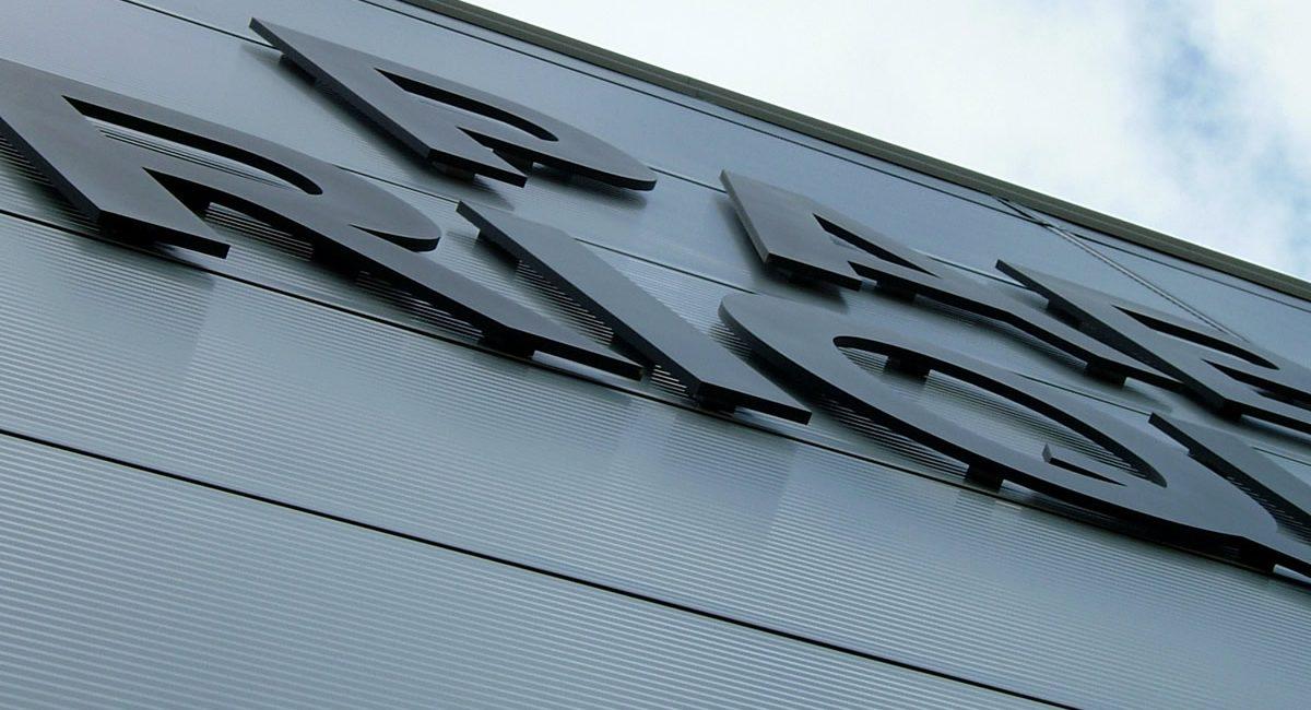 Norneón rótulos corpóreos PVC11